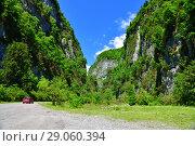 Купить «mountain gorge in an Abkhazia in summer», фото № 29060394, снято 3 июня 2018 г. (c) Володина Ольга / Фотобанк Лори