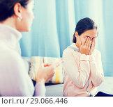 Купить «Mother reprimands her daughter», фото № 29066446, снято 26 марта 2019 г. (c) Яков Филимонов / Фотобанк Лори