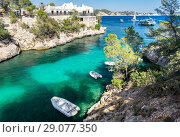 Cala Fornells View in Paguera, Majorca, Spain (2018 год). Стоковое фото, фотограф Маргарита Бородина / Фотобанк Лори