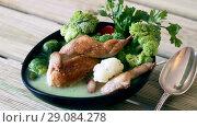 Купить «Cream soup with quails, broccoli, brussels sprouts and cauliflower», видеоролик № 29084278, снято 27 августа 2018 г. (c) Яков Филимонов / Фотобанк Лори