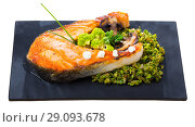 Купить «Roasted salmon steak with broccoli», фото № 29093678, снято 23 сентября 2018 г. (c) Яков Филимонов / Фотобанк Лори