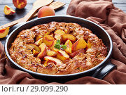 Купить «Peach Cobbler fast and easy dessert», фото № 29099290, снято 20 августа 2018 г. (c) Oksana Zh / Фотобанк Лори