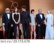 Купить «70th Cannes Film Festival - Gala Opening - 'Ismael's Ghosts' red carpet Featuring: Arnaud Desplechin, Marion Cotillard, Louis Garrel, Charlotte Gainsbourg...», фото № 29115678, снято 17 мая 2017 г. (c) age Fotostock / Фотобанк Лори