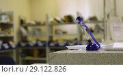 Pen on the background of the post office blur. Стоковое видео, видеограф Ekaterina Demidova / Фотобанк Лори
