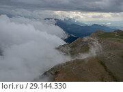 Niu de Àliga Refuge, Tosa d'Alp, La Cerdanya, Catalunya - Aerial. Стоковое фото, фотограф Garrett Fisher / age Fotostock / Фотобанк Лори