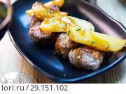 Купить «Sirloin medallion with potatoes», фото № 29151102, снято 20 октября 2018 г. (c) Яков Филимонов / Фотобанк Лори
