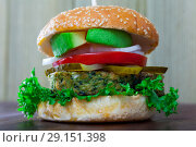 Vegan burger with greens. Стоковое фото, фотограф Яков Филимонов / Фотобанк Лори
