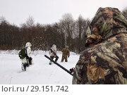 Купить «Winter hunting in woods», фото № 29151742, снято 11 декабря 2010 г. (c) Знаменский Олег / Фотобанк Лори