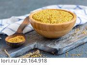 Bowl with grain mustard and yellow mustard seeds. Стоковое фото, фотограф Марина Сапрунова / Фотобанк Лори