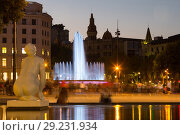 Купить «Catalonia Square in night Barcelona, Spain», фото № 29231934, снято 16 июля 2016 г. (c) Яков Филимонов / Фотобанк Лори