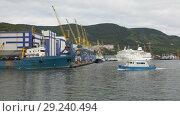 Купить «Петропавловск-Камчатский морской порт», видеоролик № 29240494, снято 4 сентября 2018 г. (c) А. А. Пирагис / Фотобанк Лори