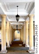 Купить «Pump Court Cloisters between Church Court and Pump Court in Inner Temple, London, England, UK.», фото № 29244954, снято 13 сентября 2018 г. (c) age Fotostock / Фотобанк Лори