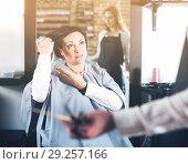 Купить «Upset woman in hairdress salon», фото № 29257166, снято 7 марта 2017 г. (c) Яков Филимонов / Фотобанк Лори