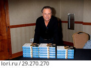 Купить «Todd Fisher, son of Debbie Reynolds and Eddie Fisher and brother of Carrie Fisher, signs copies of his book 'My Girls: A Lifetime With Carrie and Debbie...», фото № 29270270, снято 21 июня 2018 г. (c) age Fotostock / Фотобанк Лори