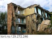 Купить «Здание, разрушенное землетрясением 7 декабря 1988 года, Гюмри, Армения», фото № 29272246, снято 30 сентября 2018 г. (c) Инна Грязнова / Фотобанк Лори
