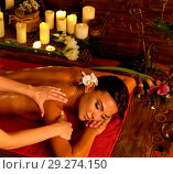 Купить «Aromatherapy massage of woman in spa salon.», фото № 29274150, снято 21 октября 2018 г. (c) Gennadiy Poznyakov / Фотобанк Лори