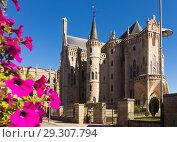 Купить «Episcopal Palace of Astorga», фото № 29307794, снято 28 июня 2015 г. (c) Яков Филимонов / Фотобанк Лори