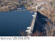 Купить «Красноярская ГЭС, вид сверху», фото № 29316070, снято 23 марта 2019 г. (c) Владимир Пойлов / Фотобанк Лори