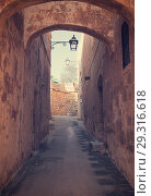 Купить «Street in old European town», фото № 29316618, снято 18 декабря 2010 г. (c) Яков Филимонов / Фотобанк Лори