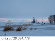 Купить «Nallikari Lighthouse in winter. Oulu, Finland Description: Nallikari Lighthouse in winter. Oulu, Finland», фото № 29384778, снято 7 января 2017 г. (c) Liseykina / Фотобанк Лори