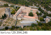Купить «Aerial view of Castle of Abbey Sainte-Marie d'Orbieu, part of history of Lagrasse», фото № 29394246, снято 6 октября 2018 г. (c) Яков Филимонов / Фотобанк Лори