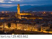 Церковь Святого Креста (Basilica di Santa Croce) в вечернем пейзаже. Флоренция, Италия (2017 год). Стоковое фото, фотограф Виктор Карасев / Фотобанк Лори