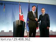 Купить «Berlin, Germany - Federal Foreign Minister Heiko Maas and British Foreign Minister Jeremy Hunt.», фото № 29408362, снято 23 июля 2018 г. (c) Caro Photoagency / Фотобанк Лори