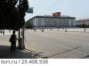Купить «Pjoengjang, North Korea, Kim Il Sung Square», фото № 29408938, снято 8 августа 2012 г. (c) Caro Photoagency / Фотобанк Лори