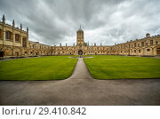 Tom Quad. Oxford University. England (2009 год). Стоковое фото, фотограф Serg Zastavkin / Фотобанк Лори