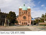 Купить «Католическая церковь Сен-Пьер-ле-Жен в городе Страсбурге», фото № 29411946, снято 9 сентября 2010 г. (c) Солодовникова Елена / Фотобанк Лори