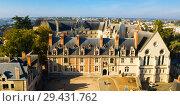 Купить «View of majestic castle Chateau de Blois», фото № 29431762, снято 9 октября 2018 г. (c) Яков Филимонов / Фотобанк Лори