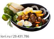 Купить «Chicken hearts salad with peach, pear, grilled cheese and quail eggs», фото № 29431786, снято 10 декабря 2018 г. (c) Яков Филимонов / Фотобанк Лори