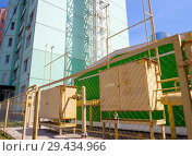 Купить «Отдельная газовая котельная, предназначенная для отопления нового жилого комплекса», фото № 29434966, снято 27 июня 2018 г. (c) Вячеслав Палес / Фотобанк Лори