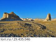 Купить «Aqabat mountains in Sahara, Egypt», фото № 29435046, снято 25 декабря 2008 г. (c) Знаменский Олег / Фотобанк Лори