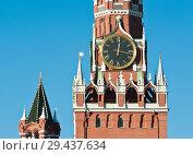 Купить «Спасская башня Кремля. Куранты. Солнечный день, голубое безоблачное небо. Москва», фото № 29437634, снято 5 ноября 2018 г. (c) E. O. / Фотобанк Лори
