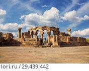 Купить «The ruins of a medieval temple of Zvartnots in Armenia», фото № 29439442, снято 22 сентября 2018 г. (c) Наталья Волкова / Фотобанк Лори