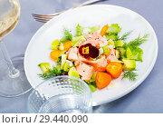 Купить «Ceviche of salmon with avocado, kumquat and dill», фото № 29440090, снято 22 августа 2019 г. (c) Яков Филимонов / Фотобанк Лори