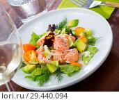 Купить «Ceviche from salmon on plate with cumquat, green dill and avocado», фото № 29440094, снято 21 октября 2019 г. (c) Яков Филимонов / Фотобанк Лори