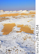 White desert Sahara Egypt (2008 год). Стоковое фото, фотограф Знаменский Олег / Фотобанк Лори