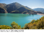 Купить «Dam of Zhinvali Reservoir on Aragvi River in Georgia», фото № 29442618, снято 24 сентября 2018 г. (c) Юлия Бабкина / Фотобанк Лори
