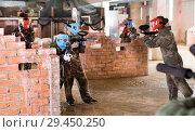 Купить «Teams on the paintball ground», фото № 29450250, снято 10 июля 2017 г. (c) Яков Филимонов / Фотобанк Лори