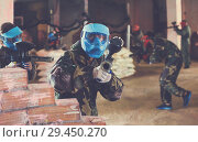 Player in blue mask is targeting in hostile. Стоковое фото, фотограф Яков Филимонов / Фотобанк Лори