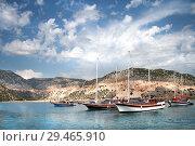 Купить «Яхты на фоне острова и облачного неба в Турции», фото № 29465910, снято 21 октября 2008 г. (c) Elizaveta Kharicheva / Фотобанк Лори