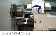 Купить «The CNC lathe cuts the thread on the metal shaft», видеоролик № 29477002, снято 25 октября 2018 г. (c) Андрей Радченко / Фотобанк Лори