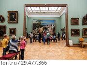 Купить «Visitors to the halls of the Tretyakov gallery, Moscow, Russia», фото № 29477366, снято 8 июня 2016 г. (c) Наталья Волкова / Фотобанк Лори
