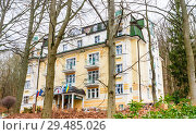 Spa Hotel Villa Savoy. Spa center of small west Bohemian  town Marianske Lazne (Marienbad)  - Czech Republic (2018 год). Редакционное фото, фотограф Николай Коржов / Фотобанк Лори