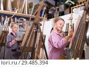 Купить «Student painted on a drawing lesson», фото № 29485394, снято 4 июня 2020 г. (c) Яков Филимонов / Фотобанк Лори