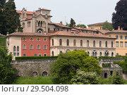 Wall and houses of Upper town of Bergamo, Italy (2014 год). Стоковое фото, фотограф Виталий Батанов / Фотобанк Лори