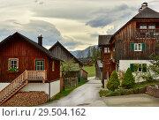 Купить «Традиционные деревянные дома. Городок Грундльзее, федеральная Земля Штирия, Австрия», фото № 29504162, снято 15 октября 2018 г. (c) Bala-Kate / Фотобанк Лори