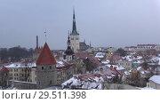 Купить «Старый Таллин пасмурным мартовским вечером. Эстония», видеоролик № 29511398, снято 8 марта 2018 г. (c) Виктор Карасев / Фотобанк Лори
